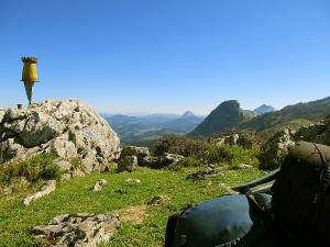 Senderismo-temático-Parque-Natural-de-Urkiola-Basque-Mountains-Mountain-Guides-43