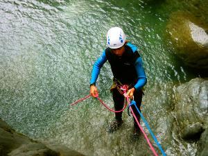 Barranco-Trigoniero-Barranquismo-en-Sobrarbe-Ordesa-Bujaruelo-Aínsa-Canyoning-Guías-de-Barrancos-Canyon-Guides-1