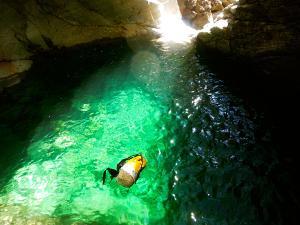 Barranco-Trigoniero-Barranquismo-en-Sobrarbe-Ordesa-Bujaruelo-Aínsa-Canyoning-Guías-de-Barrancos-Canyon-Guides-15
