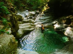 Barranco-Trigoniero-Barranquismo-en-Sobrarbe-Ordesa-Bujaruelo-Aínsa-Canyoning-Guías-de-Barrancos-Canyon-Guides-17