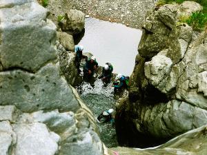 Barranco-Trigoniero-Barranquismo-en-Sobrarbe-Ordesa-Bujaruelo-Aínsa-Canyoning-Guías-de-Barrancos-Canyon-Guides-3