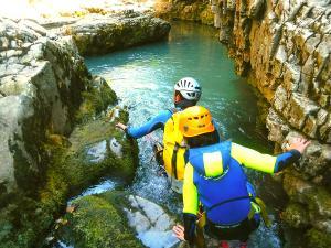 Barranco-Viandico-Barranquismo-en-Sobrarbe-Ordesa-Bujaruelo-Aínsa-Canyoning-Guías-de-Barrancos-Canyon-Guides-4