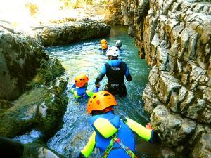 Barranco-Viandico-Barranquismo-en-Sobrarbe-Ordesa-Bujaruelo-Aínsa-Canyoning-Guías-de-Barrancos-Canyon-Guides-5