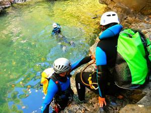 Barranco-Viandico-Barranquismo-en-Sobrarbe-Ordesa-Bujaruelo-Aínsa-Canyoning-Guías-de-Barrancos-Canyon-Guides-8