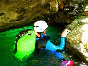 Barranco-Viandico-Barranquismo-en-Sobrarbe-Ordesa-Bujaruelo-Aínsa-Canyoning-Guías-de-Barrancos-Canyon-Guides-9