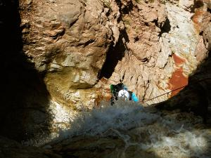 Zapironcho-Zapirontxo-Barranco-Jardin-Descenso-de-cañones-barranquismo-valle-de-hecho-guías-de-montaña-y-barrancos-Mountain-and-canyon-guides-canyoning-Lurra-adventure-12