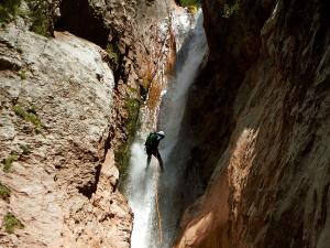 Zapironcho-Zapirontxo-Barranco-Jardin-Descenso-de-cañones-barranquismo-valle-de-hecho-guías-de-montaña-y-barrancos-Mountain-and-canyon-guides-canyoning-Lurra-adventure-15