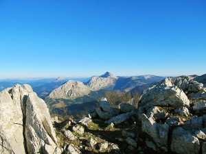 Ascension-Anboto-deporte-aventura-parque-natural-urkiola-turismo-activo-pais-vasco-euskadi-basque-country-trekking-1