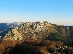 Ascension-Arrietabaso-deporte-aventura-parque-natural-urkiola-turismo-activo-pais-vasco-euskadi-basque-country-trekking-0