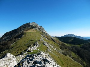 Ascension-Elgoin-deporte-aventura-parque-natural-urkiola-turismo-activo-pais-vasco-euskadi-basque-country-trekking-3