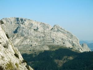 Ascension-Untzillaitz-deporte-aventura-parque-natural-urkiola-turismo-activo-pais-vasco-euskadi-basque-country-trekking-3