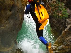 Barranquismo-Arroila-Jeitsiera-Canyoning-Nivel3-Pirineos-Pirinioak-Pyrenees-CanyonGuides-ArroilaGidariak-GuiasBarranquismo-12