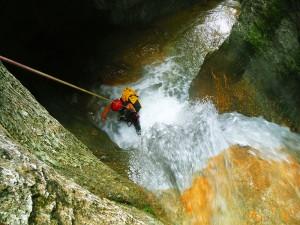 Barranquismo-Arroila-Jeitsiera-Canyoning-Nivel3-Pirineos-Pirinioak-Pyrenees-CanyonGuides-ArroilaGidariak-GuiasBarranquismo-16