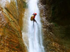 Barranquismo-Arroila-Jeitsiera-Canyoning-Nivel3-Pirineos-Pirinioak-Pyrenees-CanyonGuides-ArroilaGidariak-GuiasBarranquismo-2