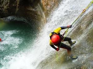 Barranquismo-Arroila-Jeitsiera-Canyoning-Nivel3-Pirineos-Pirinioak-Pyrenees-CanyonGuides-ArroilaGidariak-GuiasBarranquismo-20