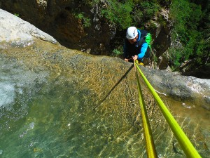Barranquismo-Arroila-Jeitsiera-Canyoning-Nivel3-Pirineos-Pirinioak-Pyrenees-CanyonGuides-ArroilaGidariak-GuiasBarranquismo-30