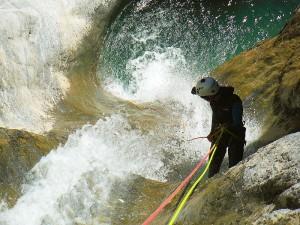 Barranquismo-Arroila-Jeitsiera-Canyoning-Nivel3-Pirineos-Pirinioak-Pyrenees-CanyonGuides-ArroilaGidariak-GuiasBarranquismo-32