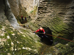 Barranquismo-Arroila-Jeitsiera-Canyoning-Nivel3-Pirineos-Pirinioak-Pyrenees-CanyonGuides-ArroilaGidariak-GuiasBarranquismo-6