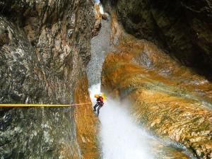 Barranquismo-Arroila-Jeitsiera-Canyoning-Nivel3-Pirineos-Pirinioak-Pyrenees-CanyonGuides-ArroilaGidariak-GuiasBarranquismo-7