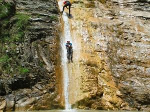 DeportesDeportes-aventura-descenso-de-cañones-Barranquismo-Pirineos-Siresa-Barranco de l'hopitalaventura-descenso-de-cañones-Barranquismo-Pirineos-Siresa-8