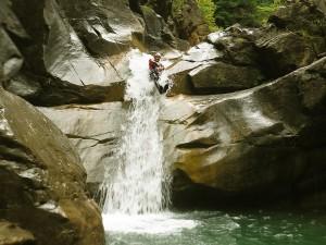 Deportes-aventura-descenso-de-cañones-barranquismo-pirineos-turismo-activo-barbaruens-2