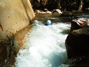 Deportes-aventura-descenso-de-cañones-barranquismo-pirineos-turismo-activo-euskadi-pais-vasco-2