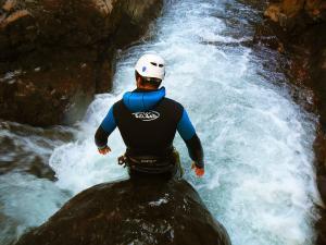 Deportes-aventura-descenso-de-cañones-barranquismo-pirineos-turismo-activo-euskadi-pais-vasco-3