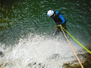 Deportes-aventura-descenso-de-cañones-barranquismo-pirineos-turismo-activo-furco-3