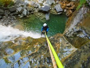 Deportes-aventura-descenso-de-cañones-barranquismo-pirineos-turismo-activo-furco-5