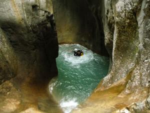 Deportes-aventura-descenso-de-cañones-barranquismo-pirineos-turismo-activo-gloces-10