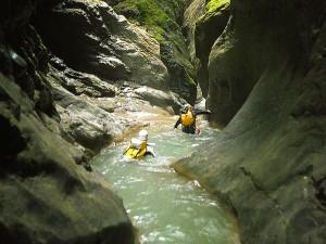 Deportes-aventura-descenso-de-cañones-barranquismo-pirineos-turismo-activo-gloces-3