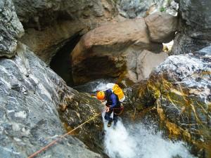 DescensoCañones-Barranquismo-Pirineos-Lapazosa-Euskadi-GuíasBarrancos-a