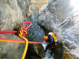 DescensoCañones-Barranquismo-Pirineos-Lapazosa-Euskadi-GuíasBarrancos-c