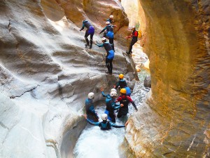 Gorgol-Descenso-de-cañones-barranquismo-valle-de-tena-pirineos-deportes-de-aventura-3