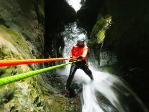 Leze-Invernal-Descenso-de-cañones-Barranquismo-Iniciación-Pais-Vasco-Euskadi-Navarra-Pirineos-Sierra-de-Guara-galeria-9