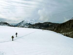 Raquetas-de-nieve-Elur-erraketak-Snowshoeing-Pais-Vasco-Euskadi-Navarra-Pirineos-Basque-Country-aventura-11