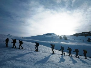 Raquetas-de-nieve-Elur-erraketak-Snowshoeing-Pais-Vasco-Euskadi-Navarra-Pirineos-Basque-Country-aventura-3