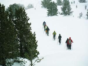 Raquetas-de-nieve-Elur-erraketak-Snowshoeing-Pais-Vasco-Euskadi-Navarra-Pirineos-Basque-Country-aventura-4.5