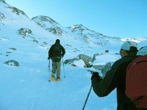 Raquetas-de-nieve-Elur-erraketak-Snowshoeing-Pais-Vasco-Euskadi-Navarra-Pirineos-Basque-Country-aventura-4.6