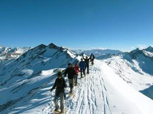 Raquetas-de-nieve-Elur-erraketak-Snowshoeing-Pais-Vasco-Euskadi-Navarra-Pirineos-Basque-Country-aventura-4