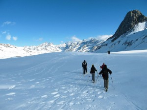 Raquetas-de-nieve-Elur-erraketak-Snowshoeing-Pais-Vasco-Euskadi-Navarra-Pirineos-Basque-Country-aventura-9