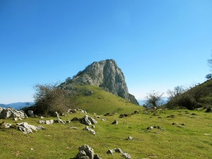 Turismo-Activo-Pais-Vasco-Euskadi-Navarra-Naturaleza-Senderismo-Travesías-de-montaña-Parque-Natural-Urkiola-1