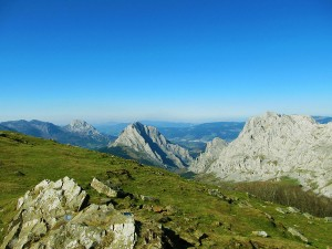 Turismo-Activo-Pais-Vasco-Euskadi-Urkiola-trekking-senderismo-2